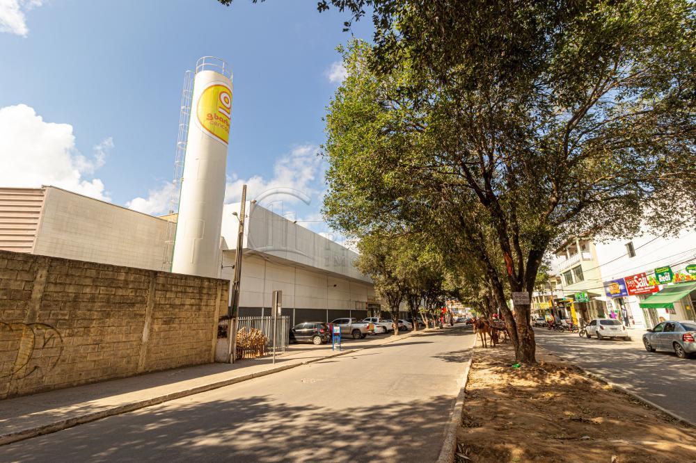 Alugar Comercial / Loja em Teixeira de Freitas R$ 2.116,00 - Foto 2