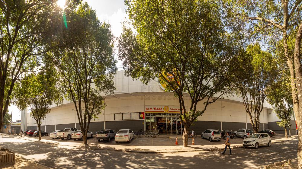 Alugar Comercial / Loja em Teixeira de Freitas R$ 2.116,00 - Foto 1