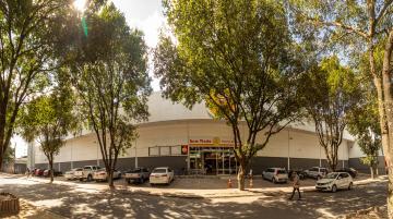 Alugar Comercial / Loja em Teixeira de Freitas. apenas R$ 2.116,00