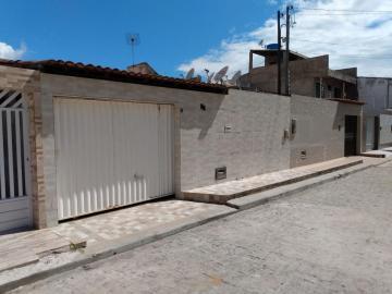 Alugar Casa / Padrão em Barra dos Coqueiros. apenas R$ 190.000,00