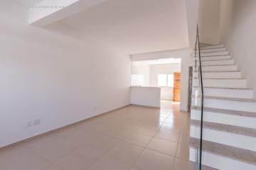 Alugar Casa / Condomínio em Barra dos Coqueiros. apenas R$ 240.000,00