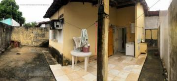 Alugar Casa / Padrão em Aracaju. apenas R$ 220.000,00