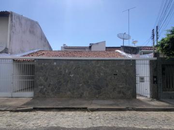 Alugar Casa / Padrão em Aracaju. apenas R$ 330.000,00