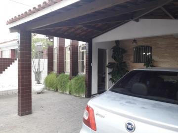Alugar Casa / Padrão em Aracaju. apenas R$ 700.000,00