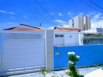 Alugar Casa / Padrão em Aracaju. apenas R$ 2.000,00