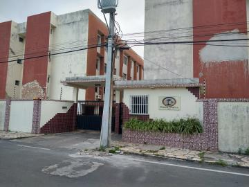 Alugar Apartamento / Padrão em Aracaju. apenas R$ 900,00